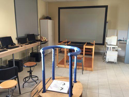 Visite du laboratoire d 39 analyse posturale de marseille for Laboratoire d analyse salon de provence